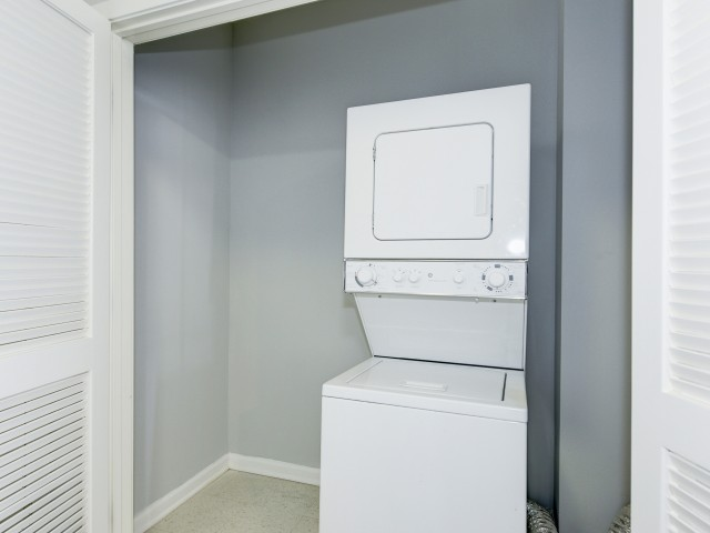 Image of Washer/Dryer for Aventine Fort Totten