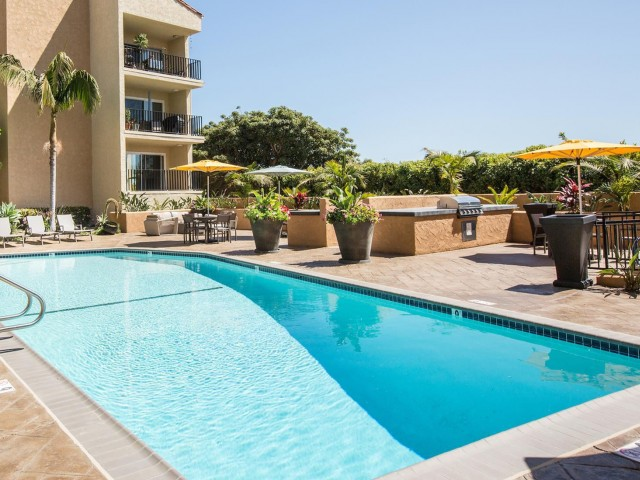 Image of Sparkling Swimming Pool for Avana Rancho Palos Verdes