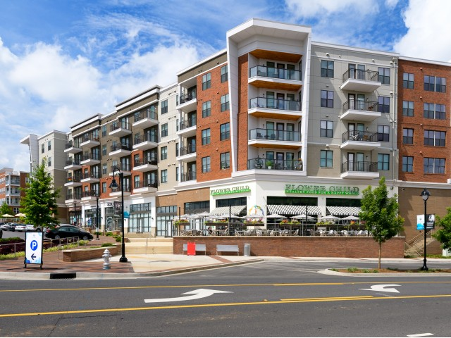 Image of Walk to shops, restaurants, and world-class entertainment, all right outside your door. for Aston City Springs