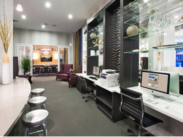 Image of Cyber lounge with HDTV, Apples, PCs and printer for The Franklin
