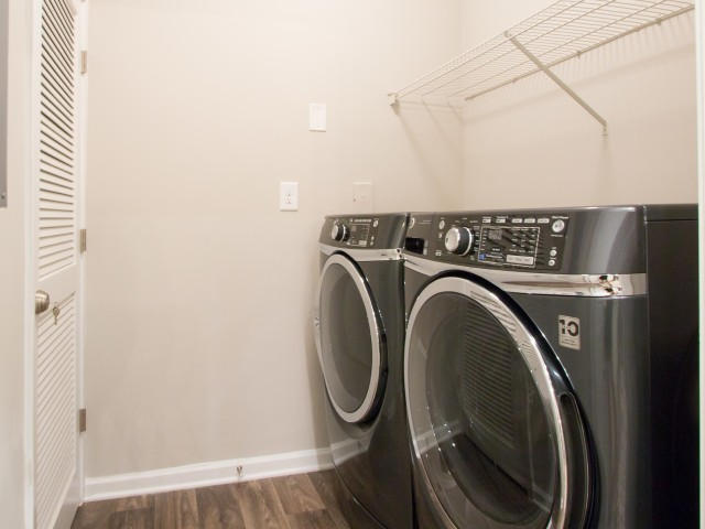 In-apartment washer and dryer