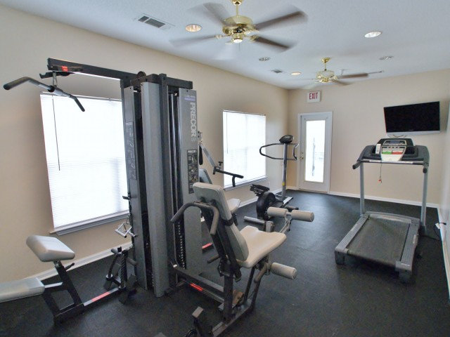 Image of Fitness Center for Sycamore Place Apartments