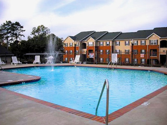 Image of Swimming Pool for Dogwood Place Apartments