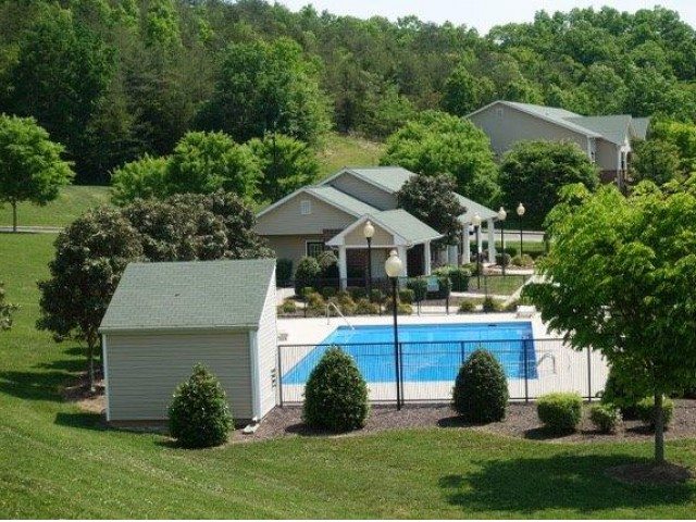Image of Pool for Cummings Place Apartments