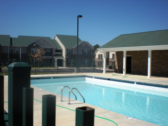 Image of Swimming Pool for Rosewood Place Apartments