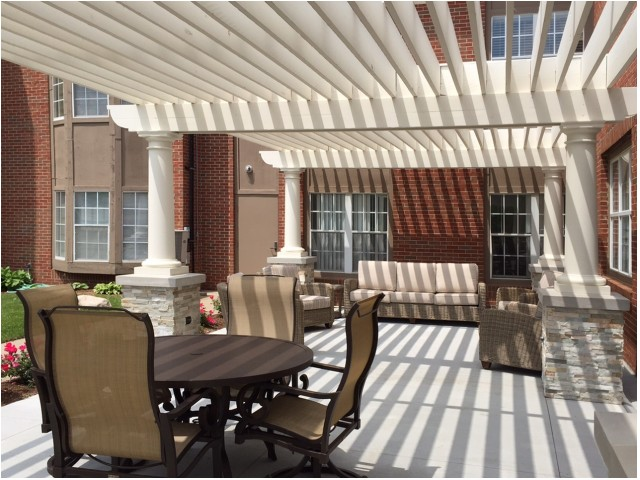 Image of Outdoor Covered Dining and Lounge Area for Brookhaven Manor Senior Living