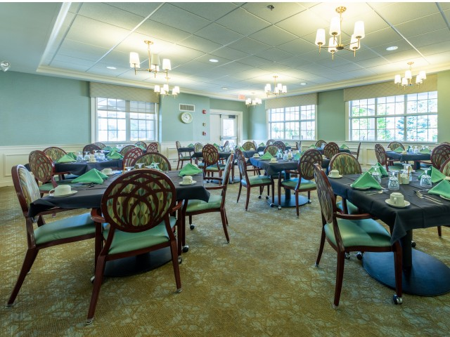 Image of Flexible Dining Options Offered Daily In Our Elegant Dining Room for Brookhaven Manor Senior Living