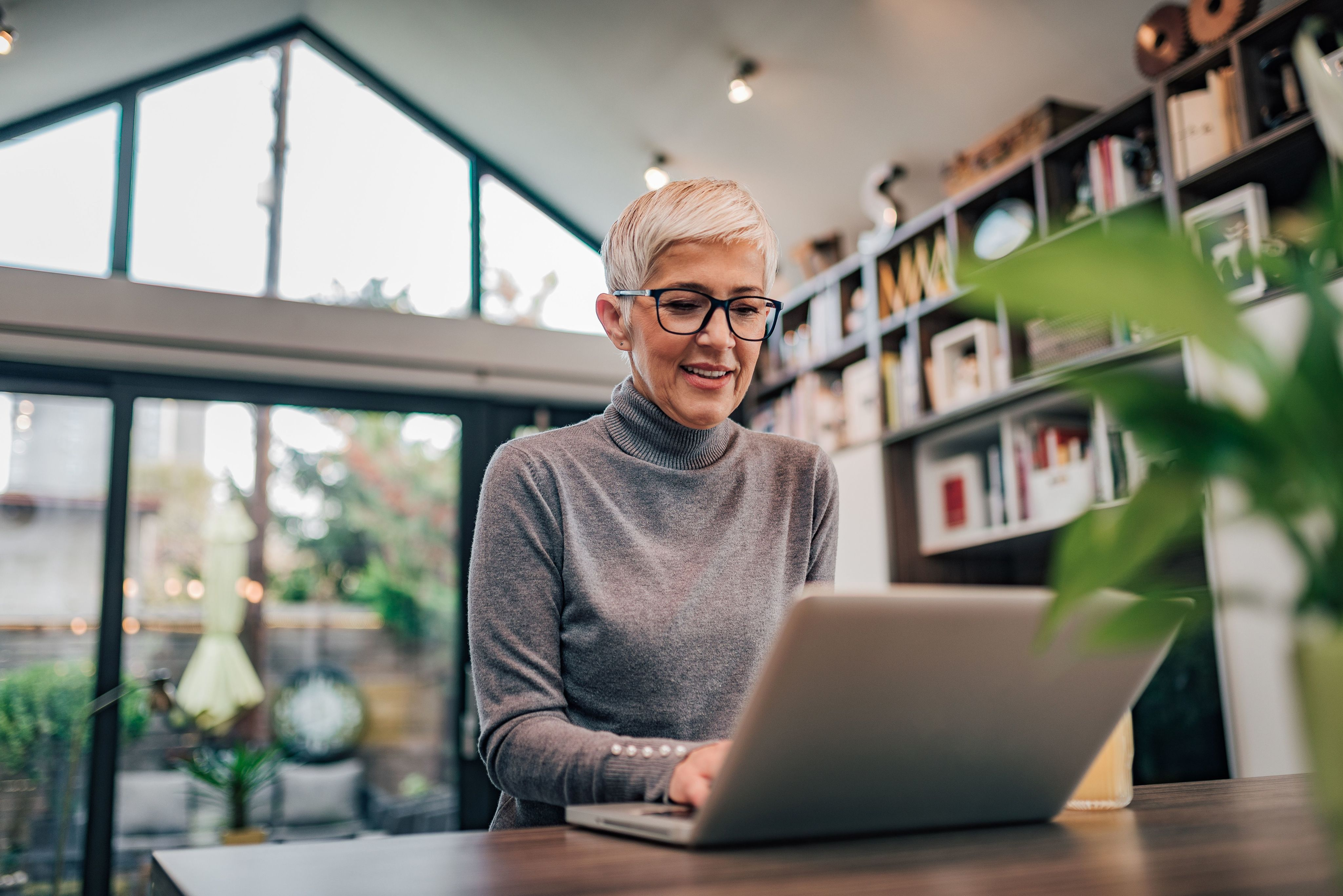 Top 6 Blogs That Every Older Adult Should Follow-image