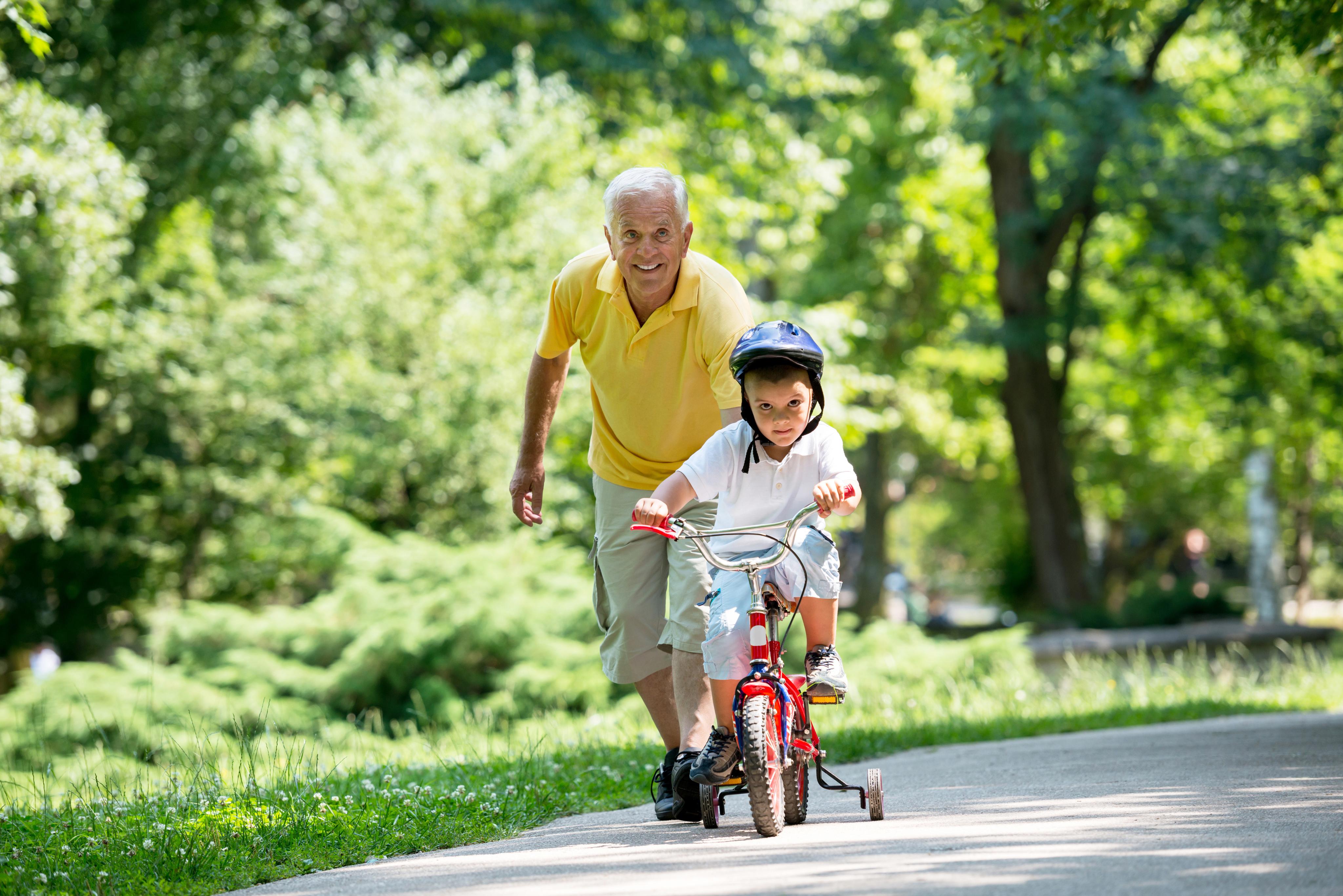 The Benefits of Intergenerational Activities-image