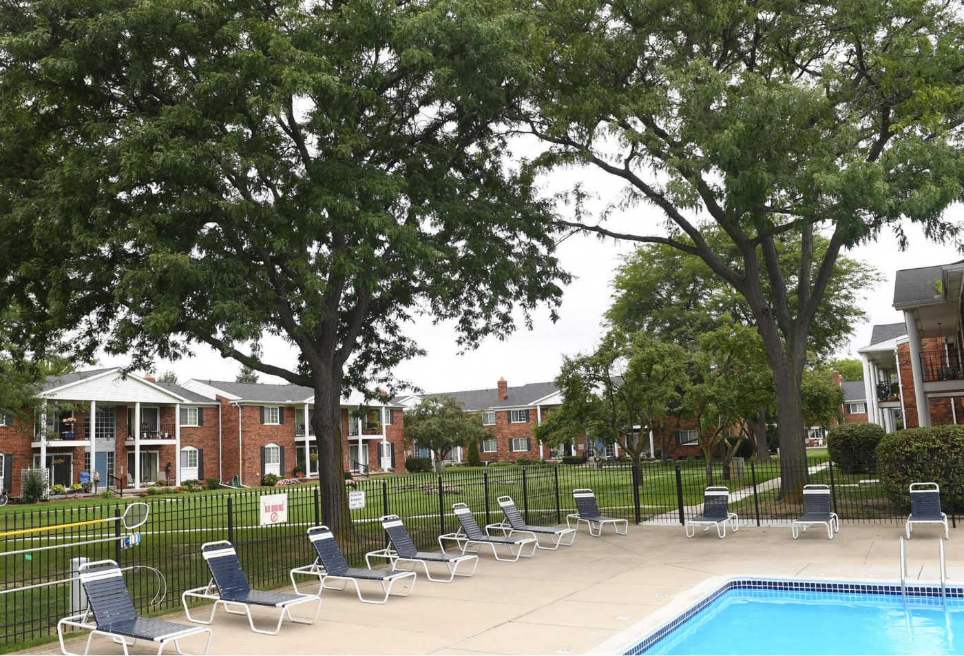 Collingwood Village Apartments
