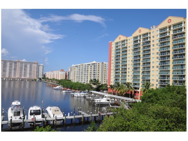 Image of Full-Service Marina to Accommodate all your Boating Needs for Intracoastal Yacht Club