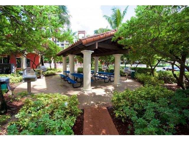 Image of Pavilion for Outdoor Entertaining for Royal Palms Apartments