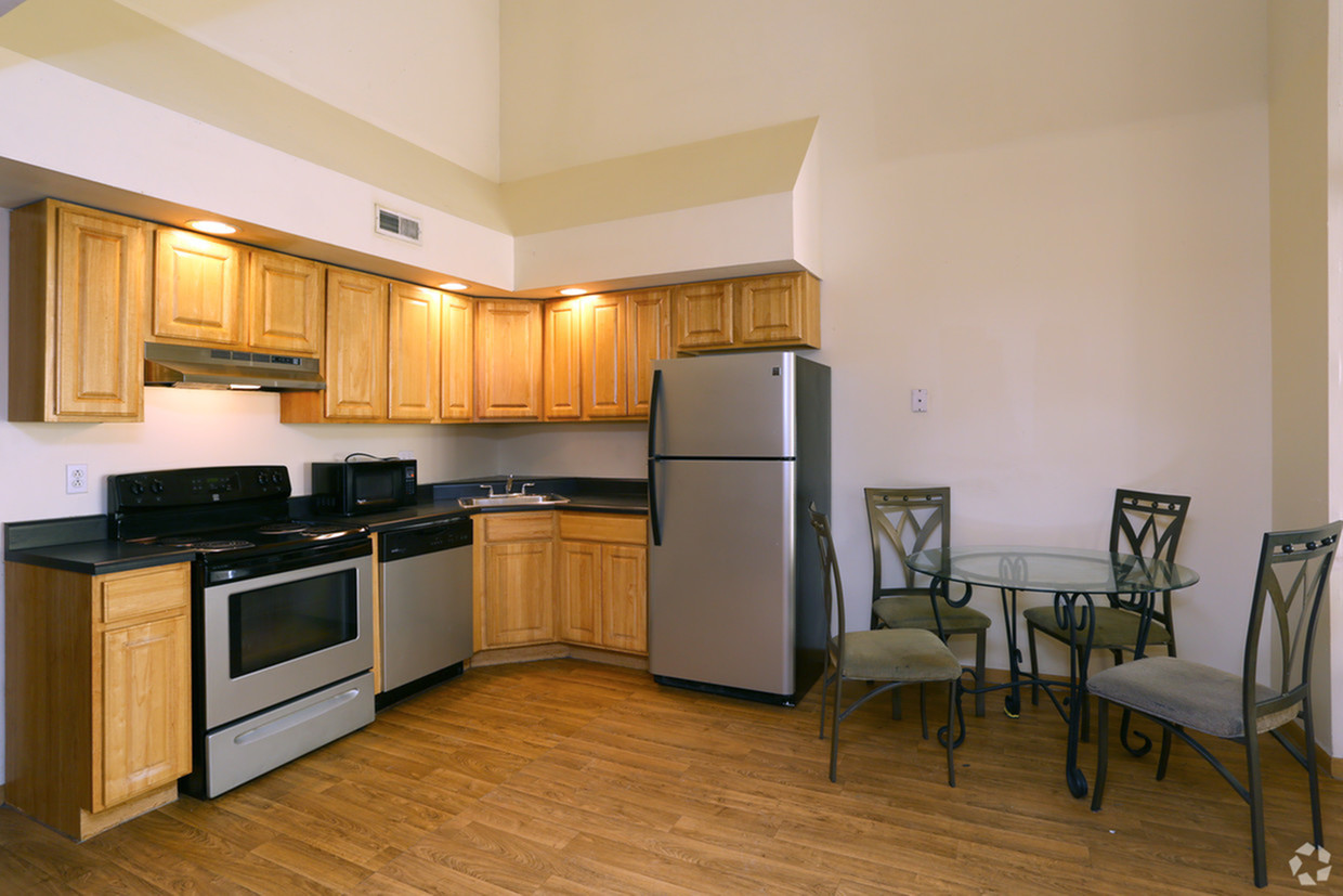 Midtown Lofts Apartments Furnished Apartment Kitchen And Dining Room