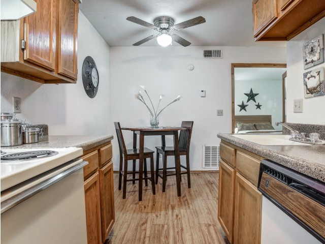 Image of Ceiling Fan for Hampton Woods