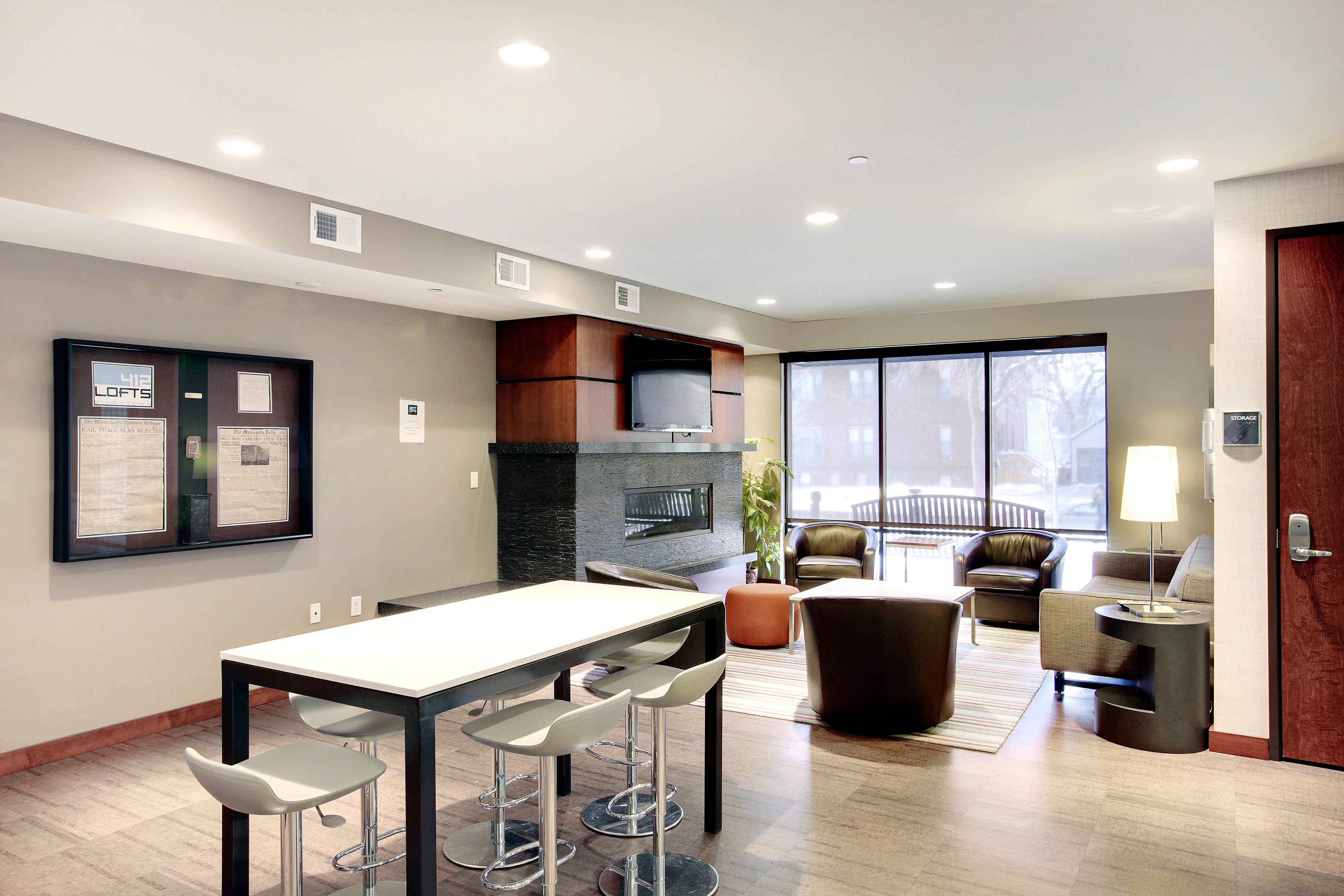 412 Lofts Apartments Lifestyle - Clubhouse