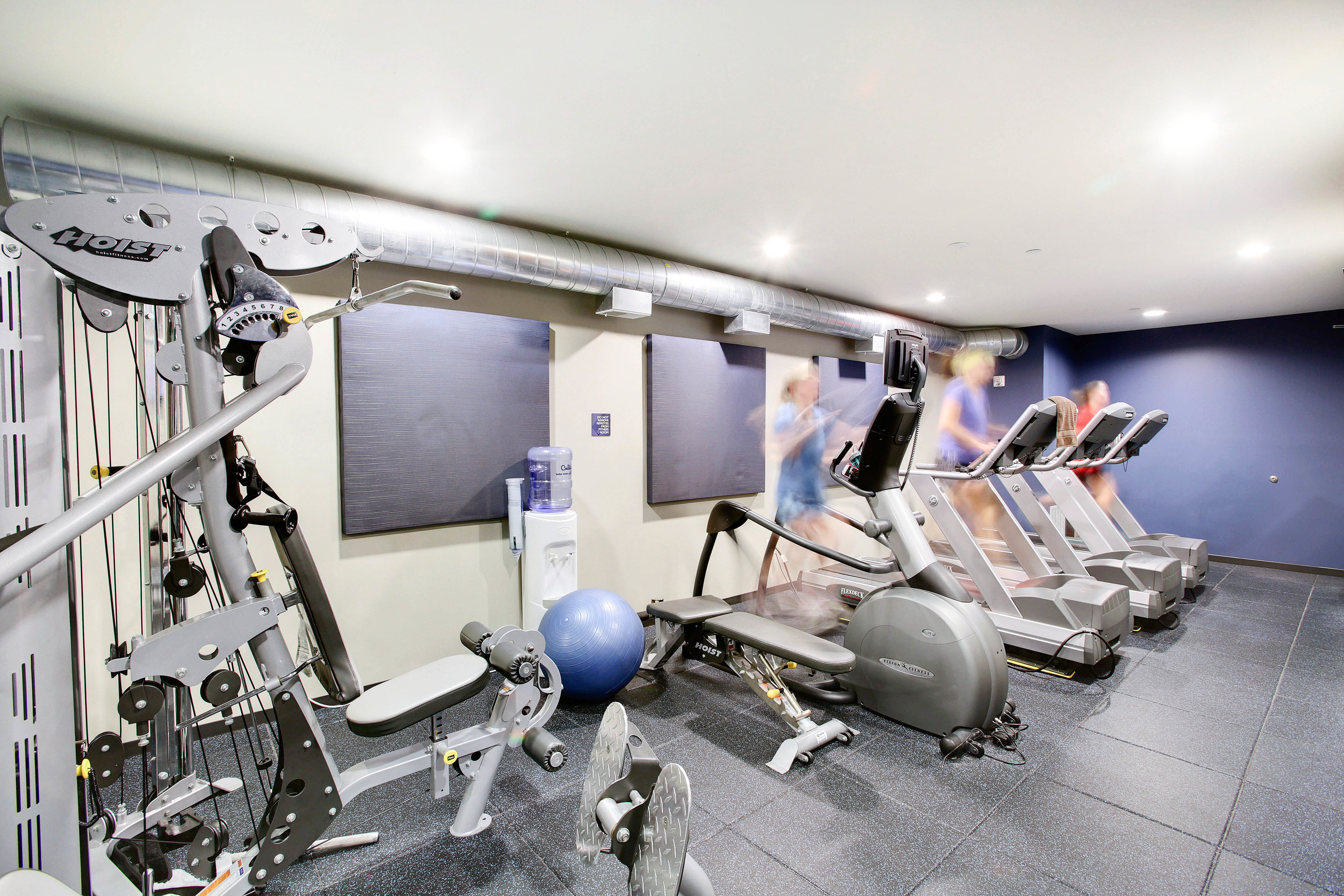 412 Lofts Apartments Lifestyle - 24 Hour Fitness Gym