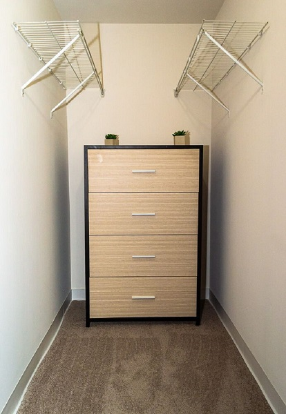 Carriage House Apartments Walk-In Closets