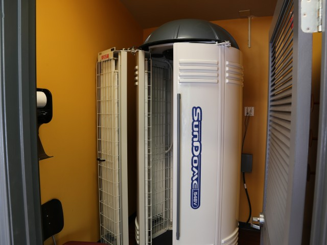 Campus Court at Red Mile Apartments Lifestyle - Tanning Beds