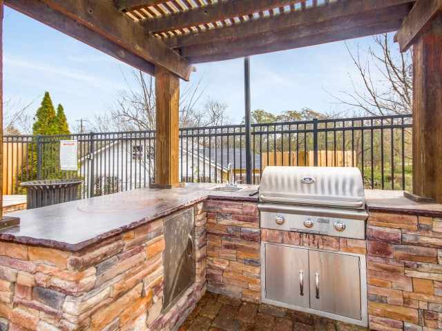 21 Apartments Lifestyle - Grill  Picnic Area