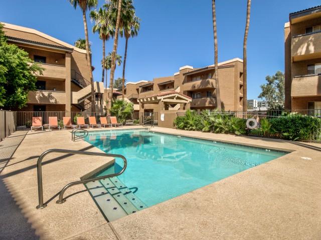 Villas on Apache Apartments Lifestyle - Swimming Pool