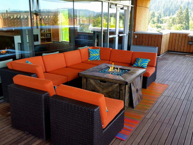 Skybox Apartments Lifestyle - Rooftop Fire Pit