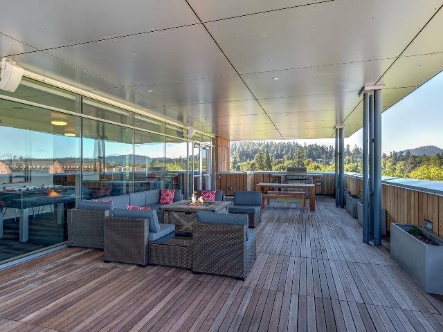 Skybox Apartments Lifestyle - Sky Deck
