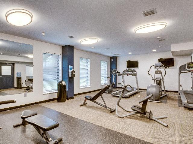 University Club Apartments Lifestyle - 24 Hour Fitness Gym