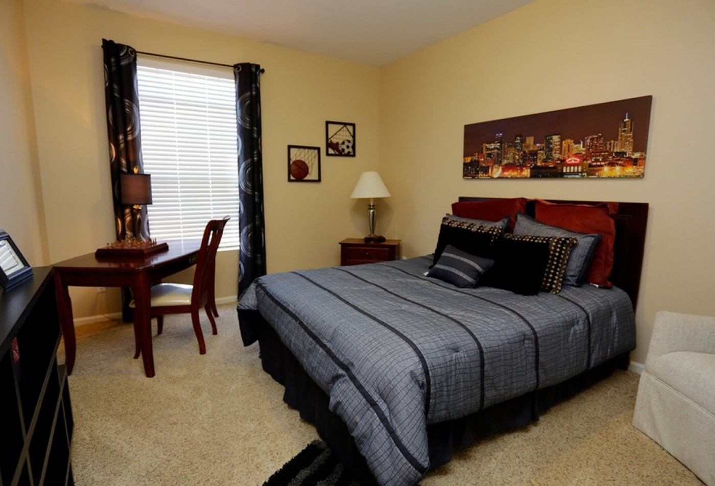 Bedroom with carpet