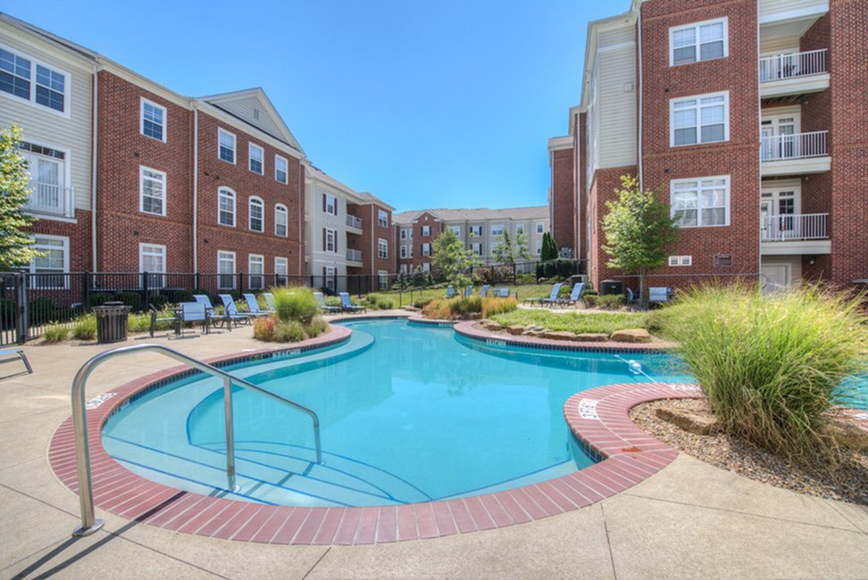 Resort Style Pool   Apartments in Athens, OH   The Summit at Coates Run