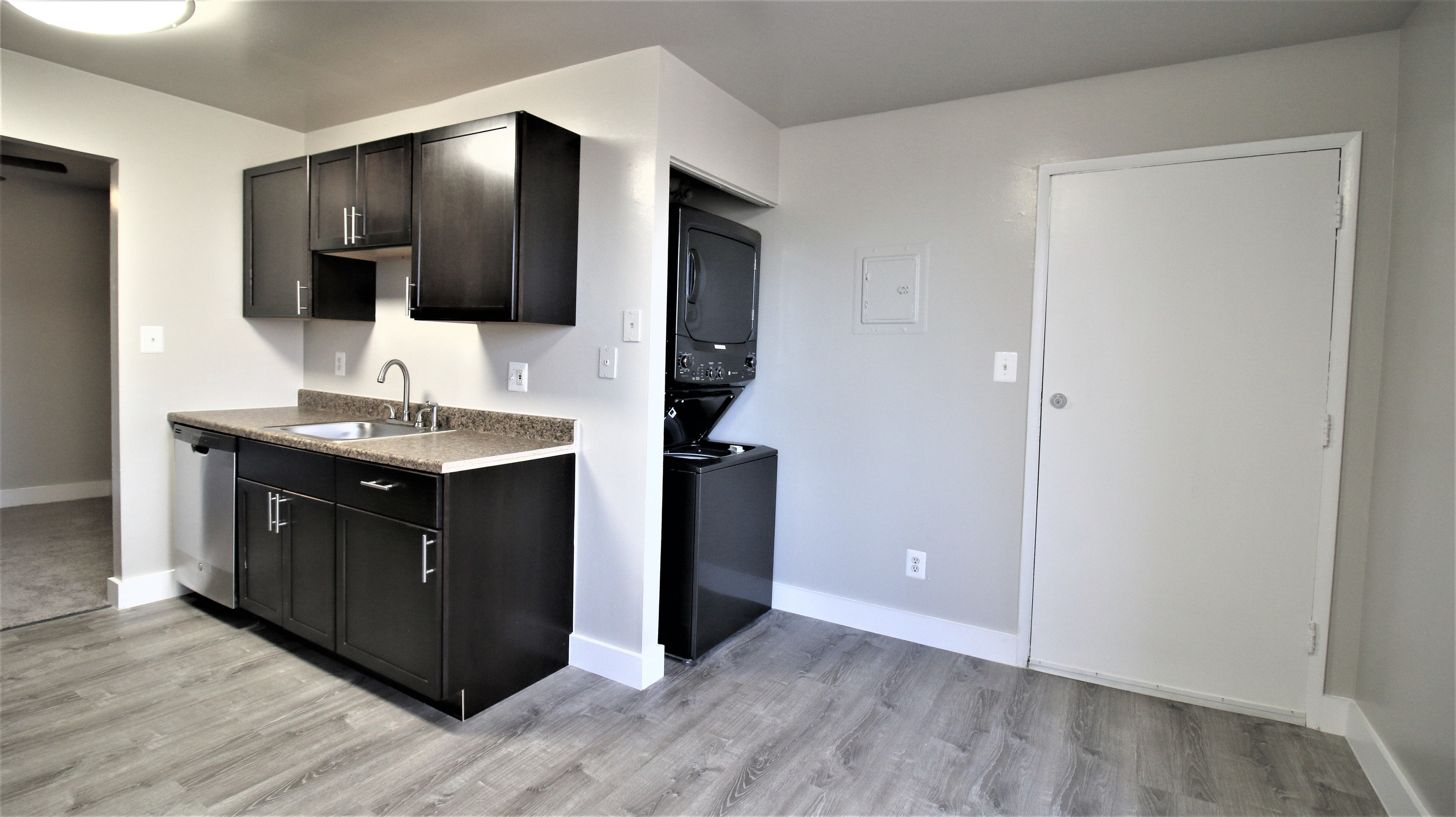 Image of Orlo Renovation 3 Bd/2 Ba for Woodvale Apartments