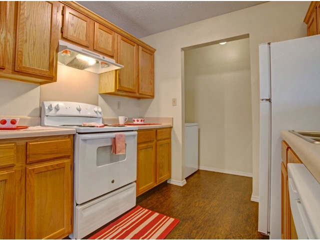 Image of All Major Appliances in Kitchen for Crown Ridge of North Edmond Apartments