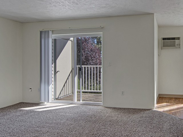 Image of Patio/Balcony for Deer Run at North Pointe Apartments