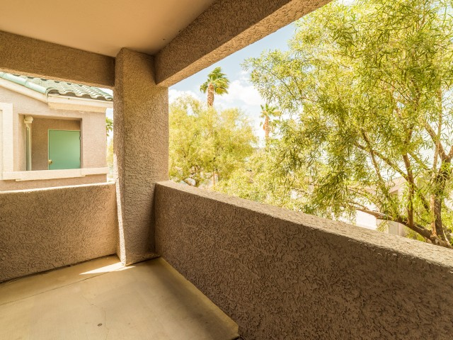 Image of Patio/Balcony for Orchard Club Apartments