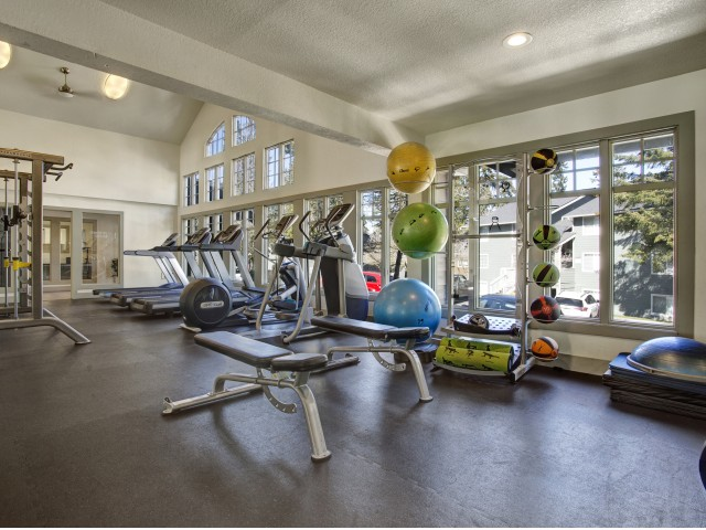 Image of 24-Hour Fitness Center for Overlook at Lakemont Apartments