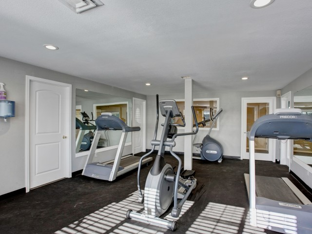 Image of Fitness Center for Heatherstone Apartments