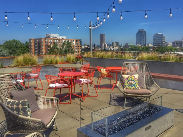 Image of Stunning Rooftop Deck with Views of the City and Mt. Hood for Tanner Flats Apartments