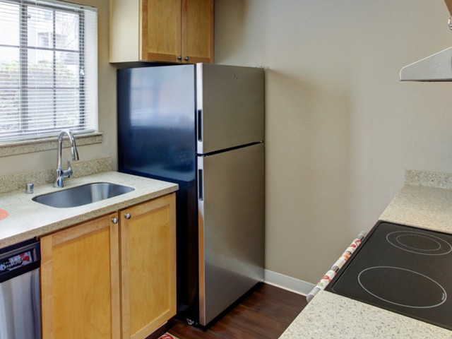 Image of Stainless Steel Appliances Available for 2000 Lake Washington Apartments