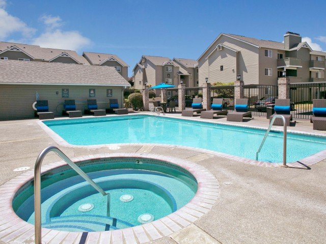 Image of Outdoor Swimming Pool with Spa for Beaumont Grand Apartment Homes
