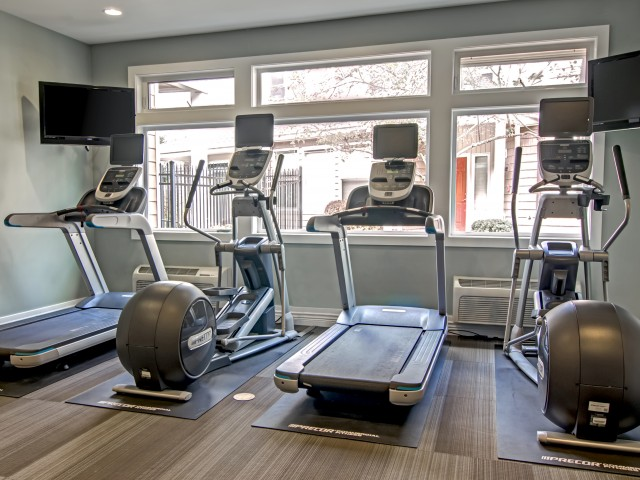 Image of 24 Hour Fitness Center for Villas at Kennedy Creek Apartments