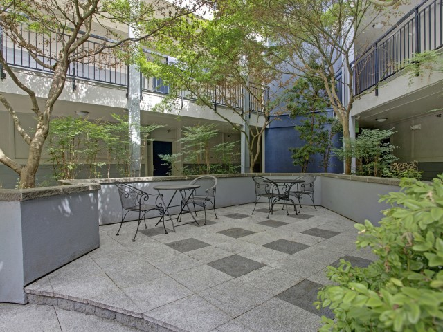 Image of BBQ/Picnic Area for 700 Broadway Apartments