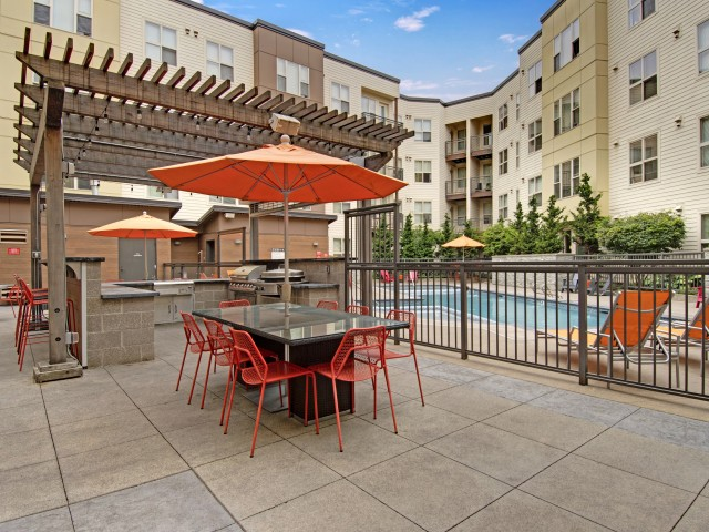 Image of BBQ/Picnic Area for Tessera Apartments