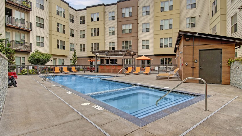 Hot Tub Spa Apartments Near Hillsboro Oregon | Tessera at Orenco Station