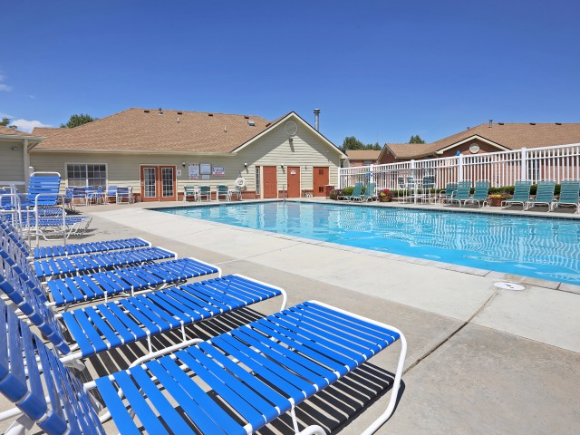 Image of Pool with Sundeck for Greens of Northglenn Apartments