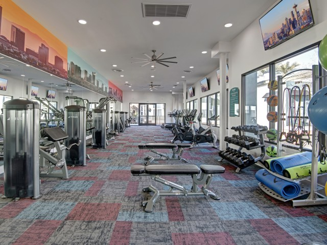 Image of Fitness Center with Cardio and Strength Training Equipment for Pavilions on Central Apartments