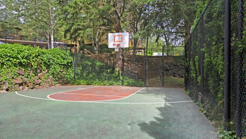 Taluswood Apartments Ourdoor Basketball Courts  |   Apartments In Mountlake Terrace, WA | Taluswood Apartments