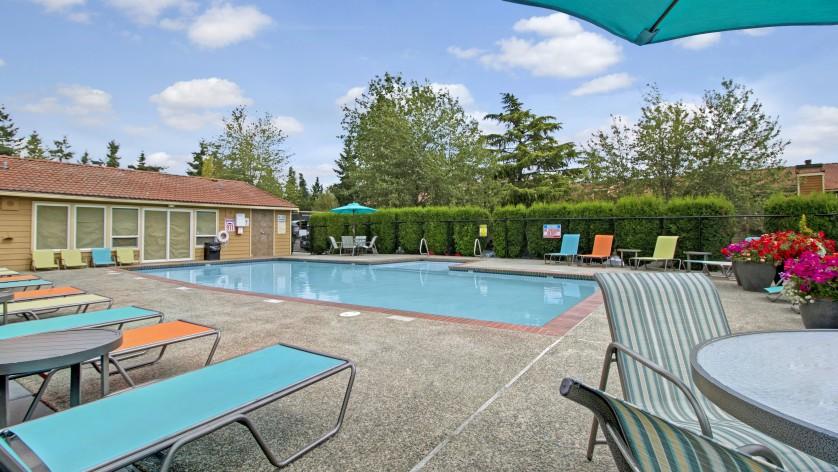 Taluswood Apartments Pool  | Apartments In Mountlake Terrace, WA | Taluswood Apartments