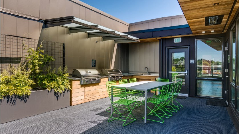 Rooftop Deck with BBQs and Picnic Area   Augusta Apartments   University District apartments
