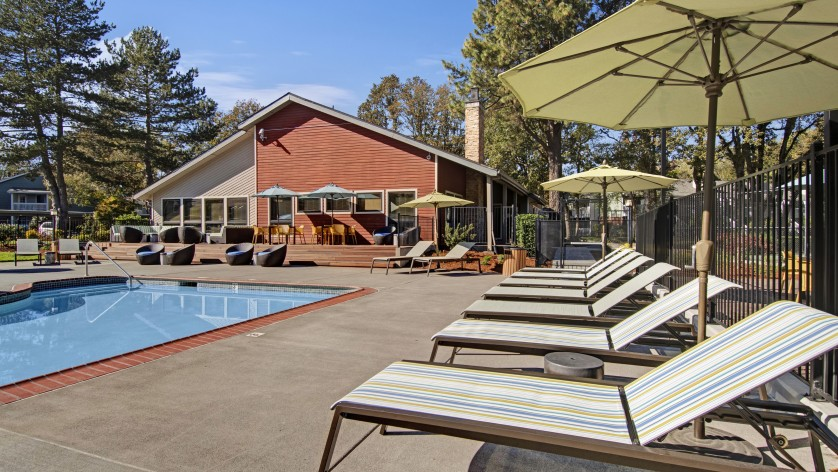 Resort Style Pool | Apartments In Beaverton Oregon | Arbor Creek