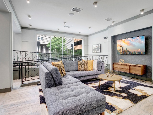 Pratt Park Apartments Community clubhouse is great for entertaining or just relaxing. Get cozy by the fire or watch your favorite sports team on the big screen TV.