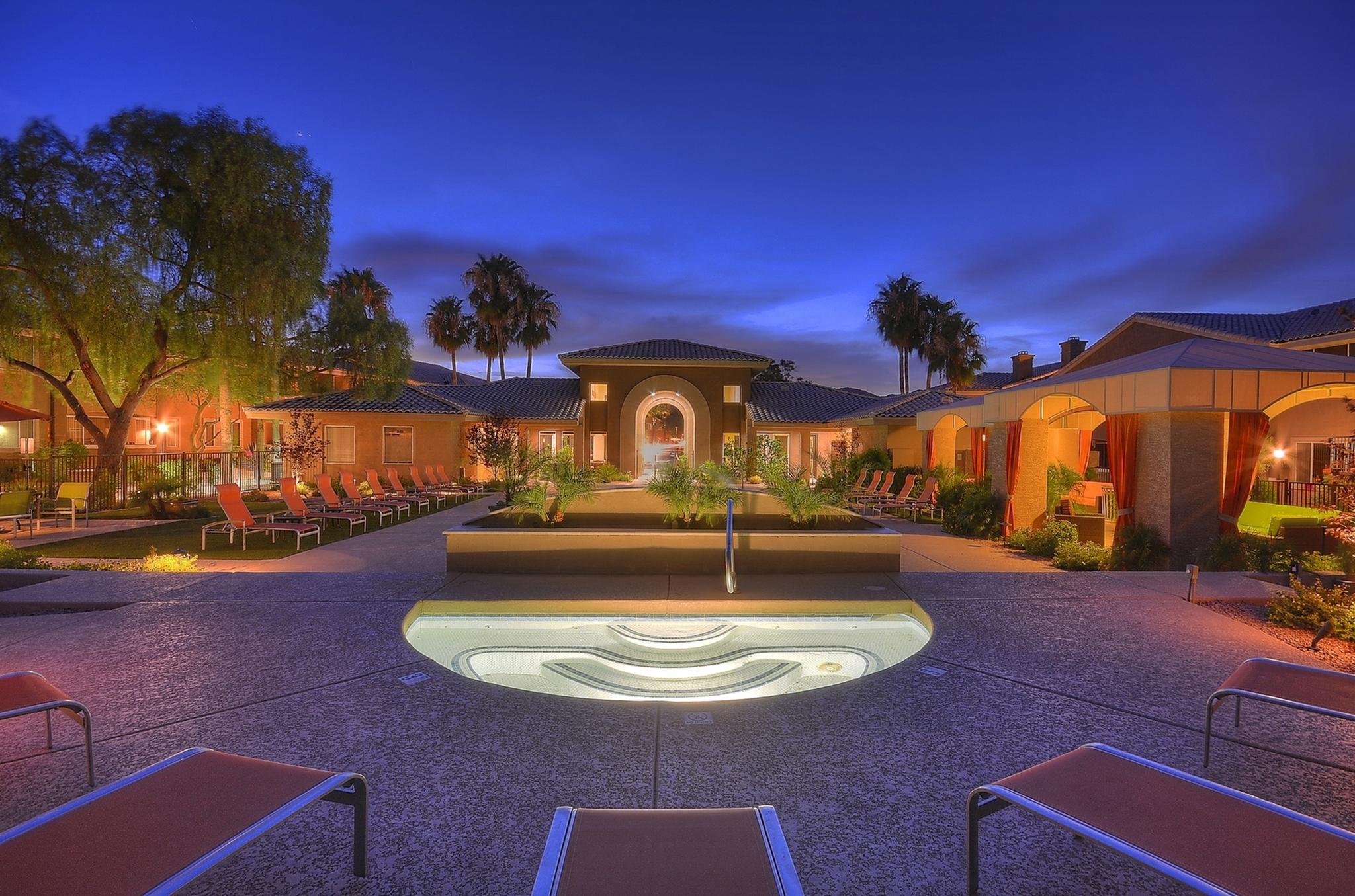 Resident Hot Tub | Apartments in Phoenix, AZ | Mountainside Apartments